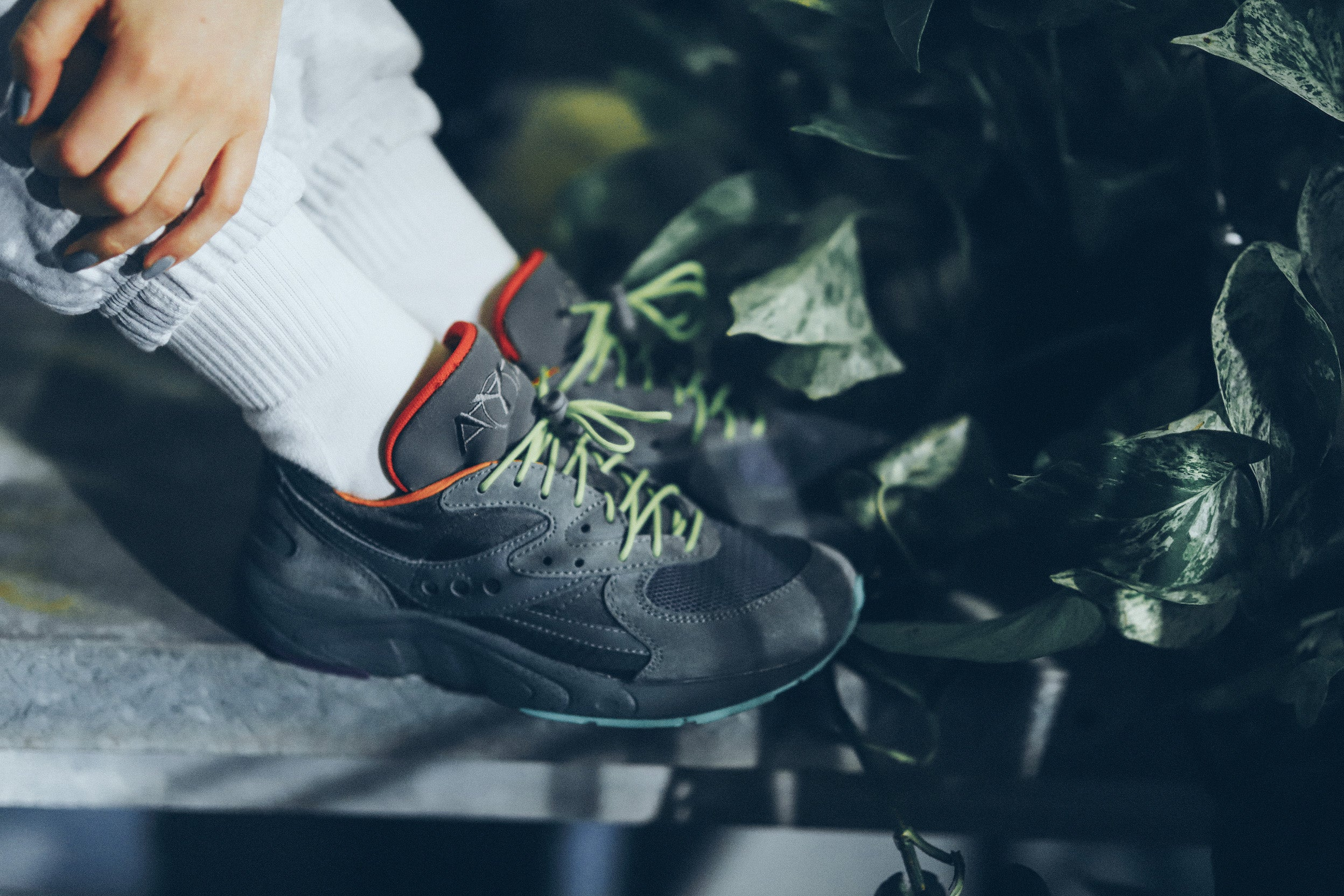 /blogs/for-the-honeys/sneaker-releases-raised-by-wolves-x-saucony-aya-january-25