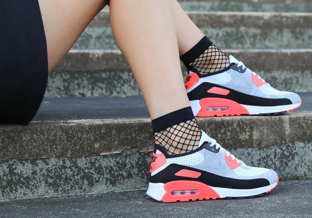 Nike Women s Air Max 90 Ultra 2.0 Flyknit Infrared Review  2876ac8bc