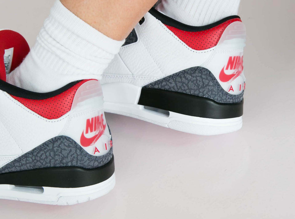 Air Jordan 3 Retro SE Fire Red Denim