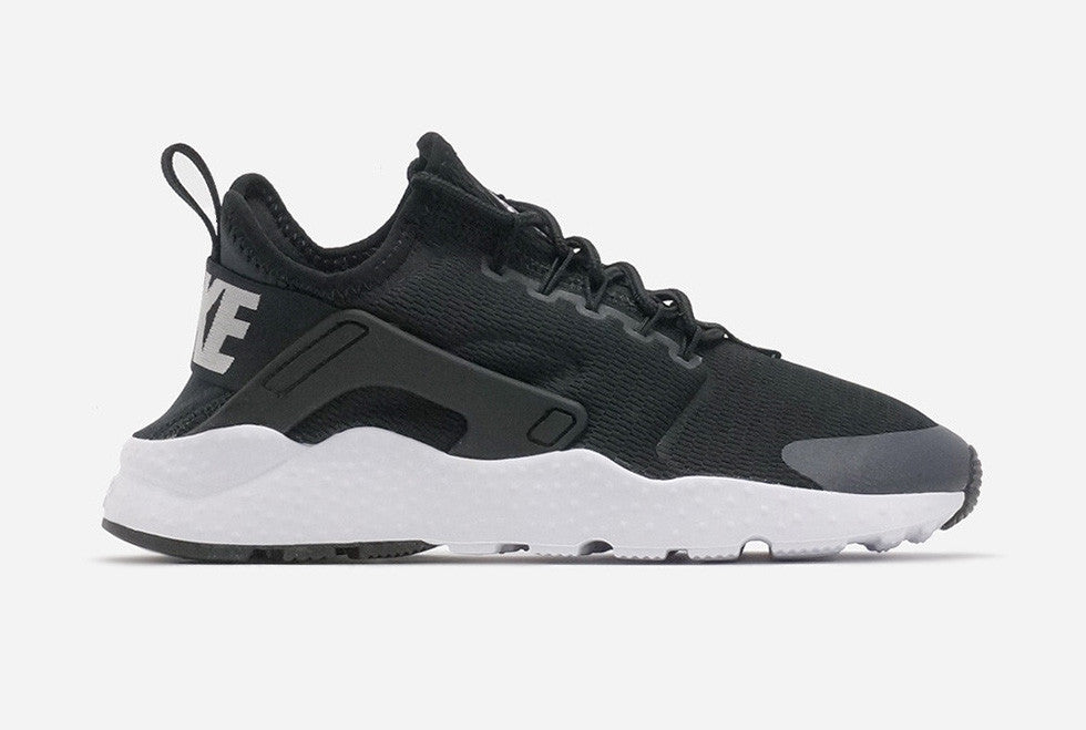149255bbeb999 Women s Nike Air Huarache Ultra Black White Review