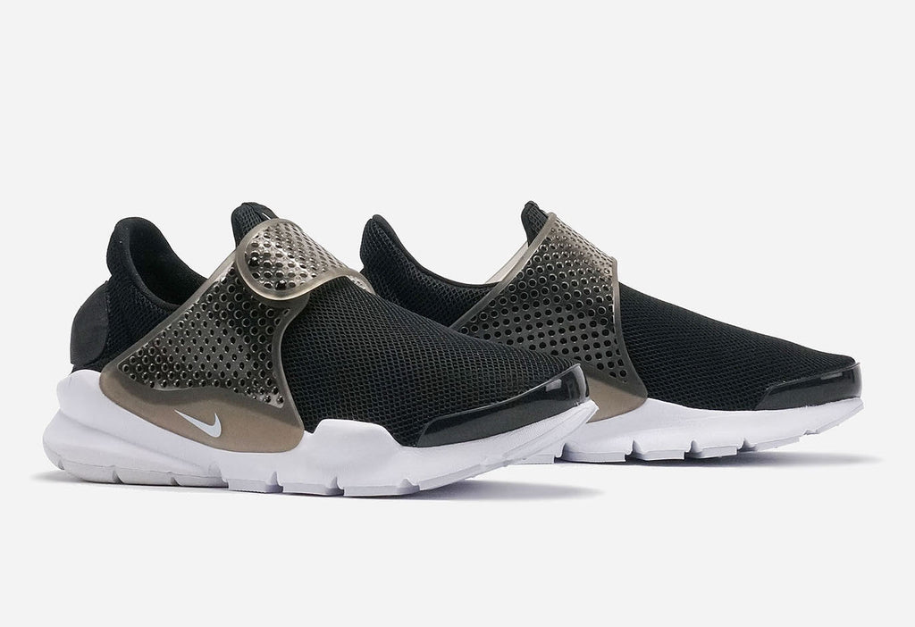 differently d2b8c 20b9d Nike Sock Dart BR BlackWhite