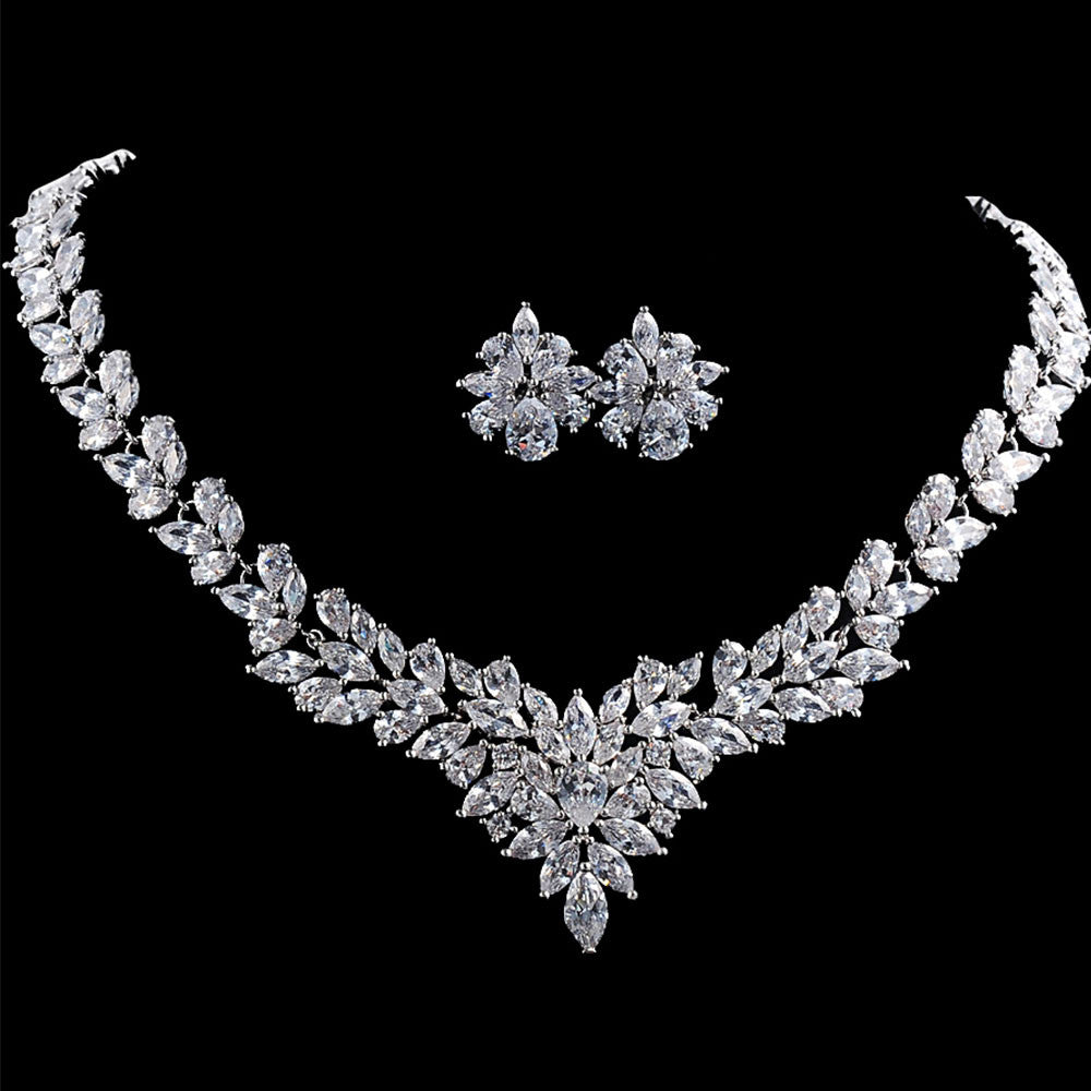 Belle bridal l stunning vintage crystals wedding jewelry sets belle bridal jewellery wholesales and bespoke bridal couture bridal headpieces and tiaras bridal junglespirit Image collections
