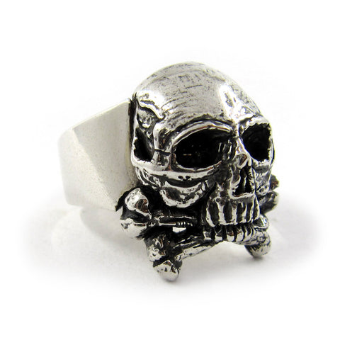 Skull and crossbones ring - Unrestrained Jewelry  - 1