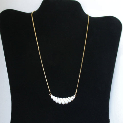 "Avon ""Gatsby"" White Necklace"