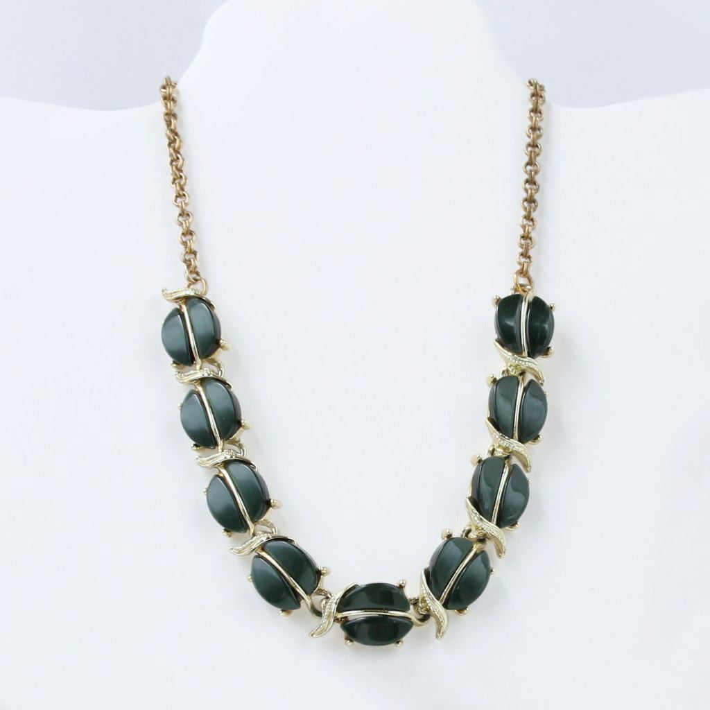 Dark Green Leaves Thermoplastic Link Choker Necklace Vintage Mid-Century - Flotsam from Michigan  - 1