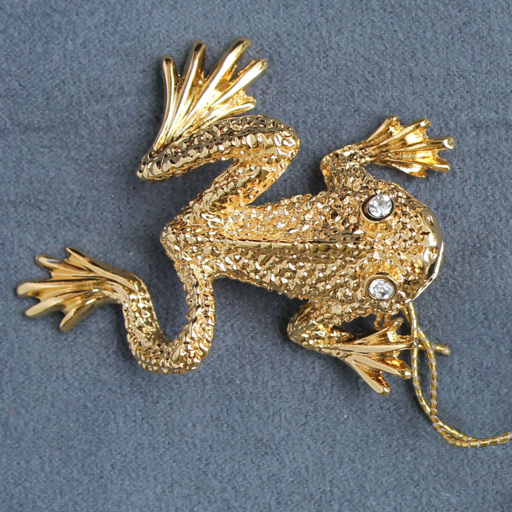 St. John Accessories Frog Figural Brooch Pin Goldtone Vintage w/ Tags - Flotsam from Michigan  - 1
