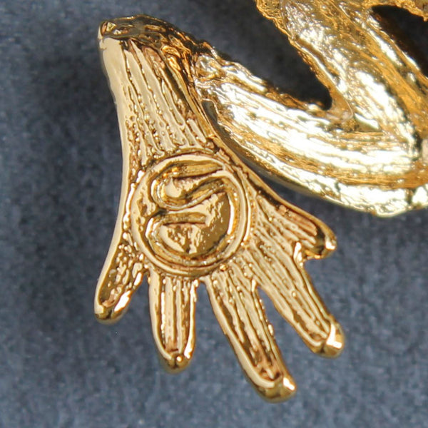 St. John Accessories Frog Figural Brooch Pin Goldtone Vintage w/ Tags - Flotsam from Michigan  - 4