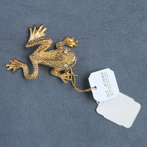 St. John Accessories Frog Figural Brooch Pin Goldtone Vintage w/ Tags - Flotsam from Michigan  - 2