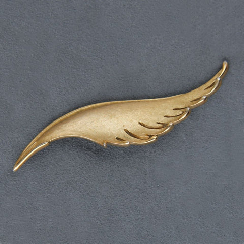 Crown Trifari Vintage Textured Goldtone Plume Brooch Pin - Flotsam from Michigan  - 1