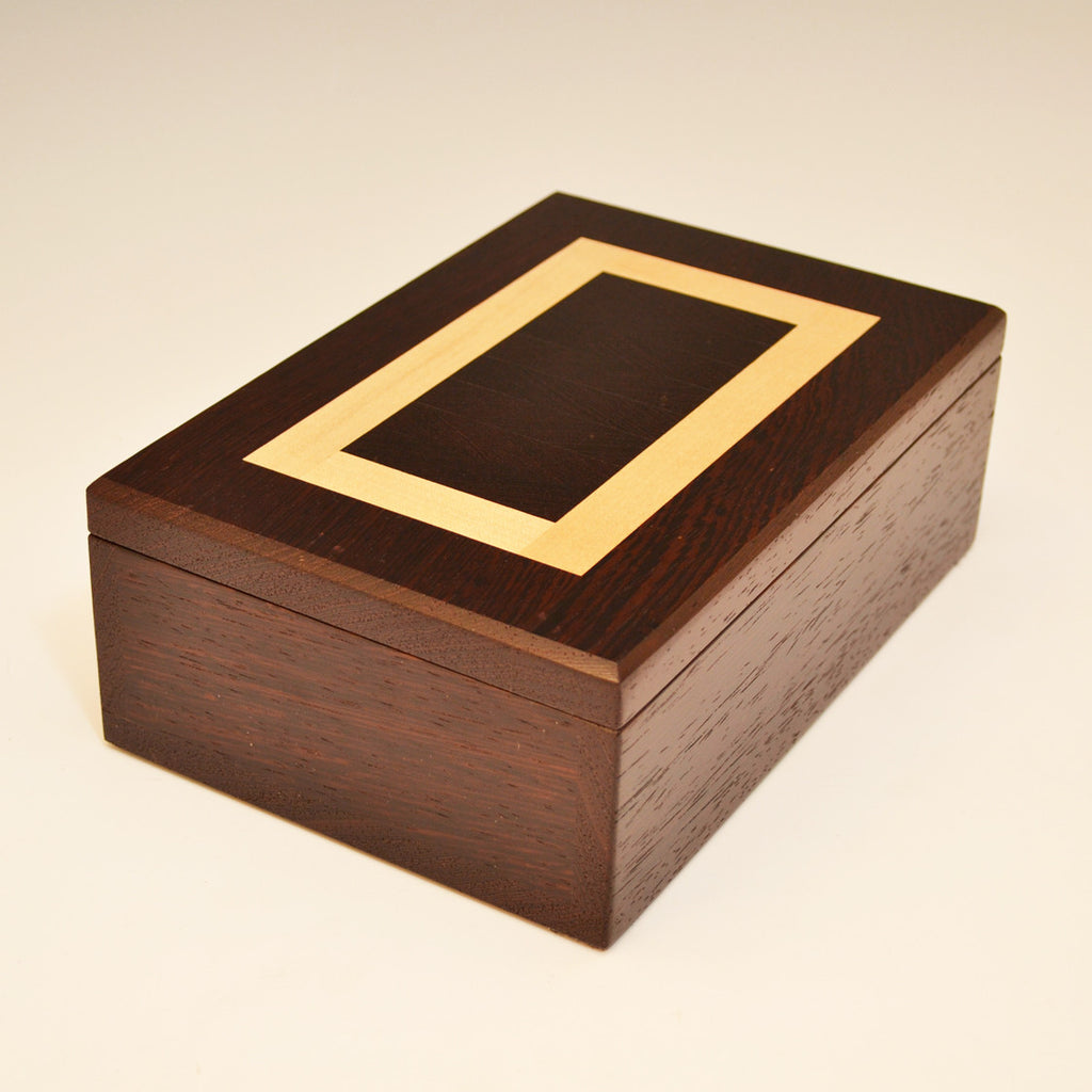 """Herringbone"" Wenge & Maple Medium Valet Box"