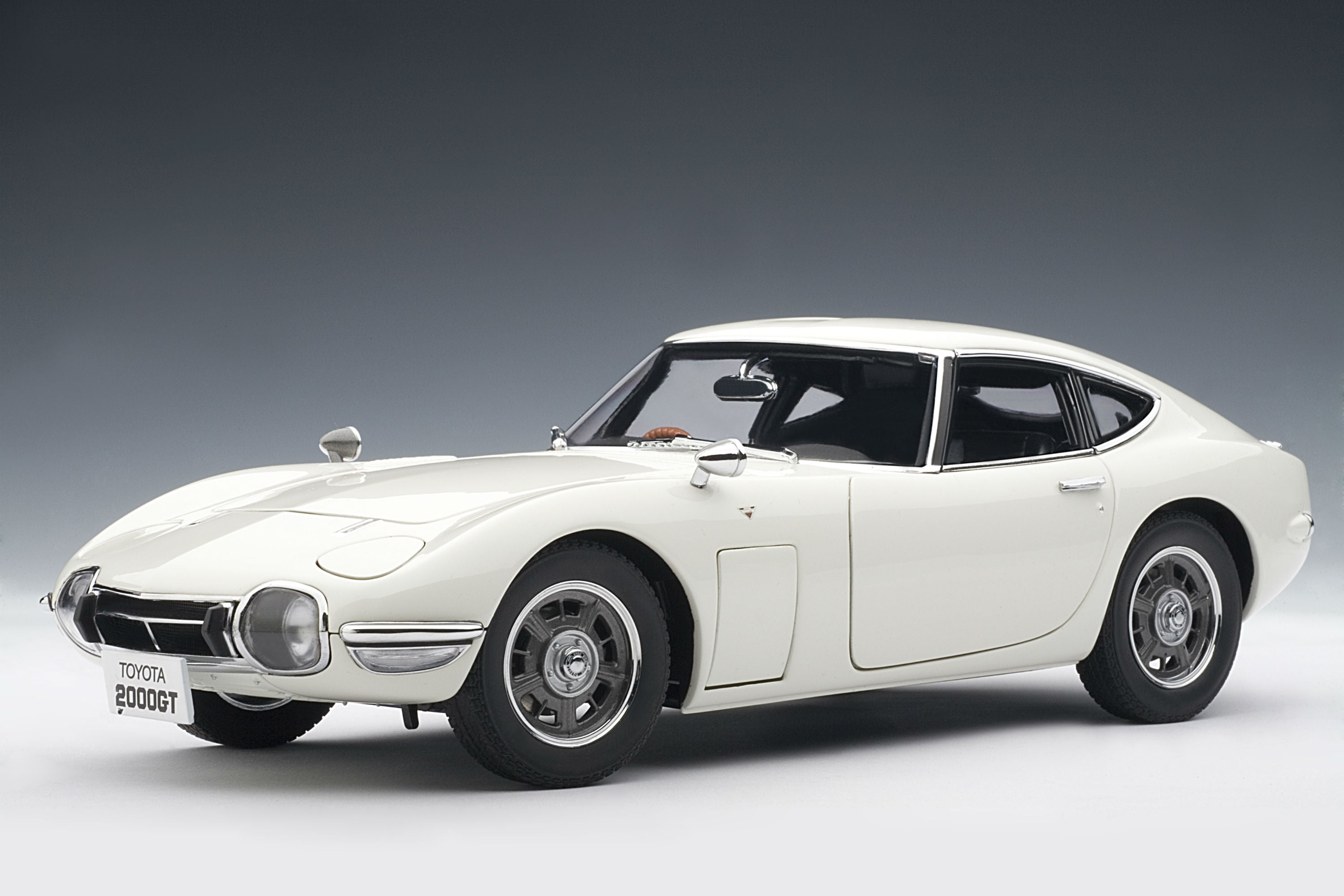 Toyota 2000GT (1967) - 1:18 Scale Model Car