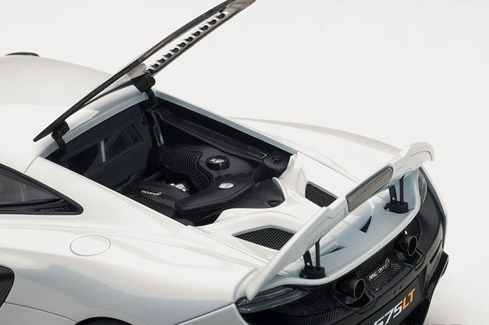 McLaren 675LT | 1:18 Scale Model Car by AUTOart | Engine Detail