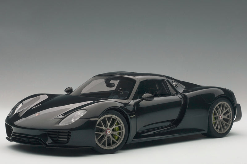Porsche 918 Spyder | 1:18 Scale Model Car by AUTOart | Black Variant