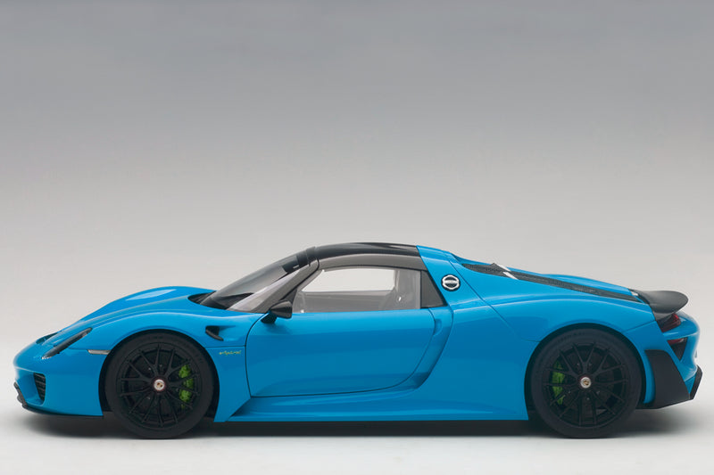 Porsche 918 Spyder | 1:18 Scale Model Car by AUTOart | Profile