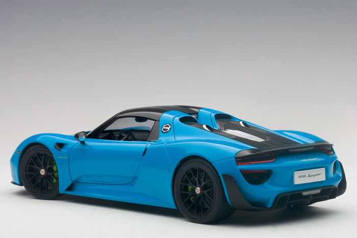 Porsche 918 Spyder | 1:18 Scale Model Car by AUTOart | Rear Quarter