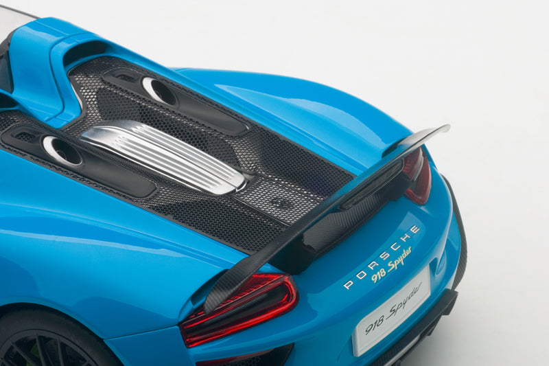 Porsche 918 Spyder | 1:18 Scale Model Car by AUTOart | Rear Detail