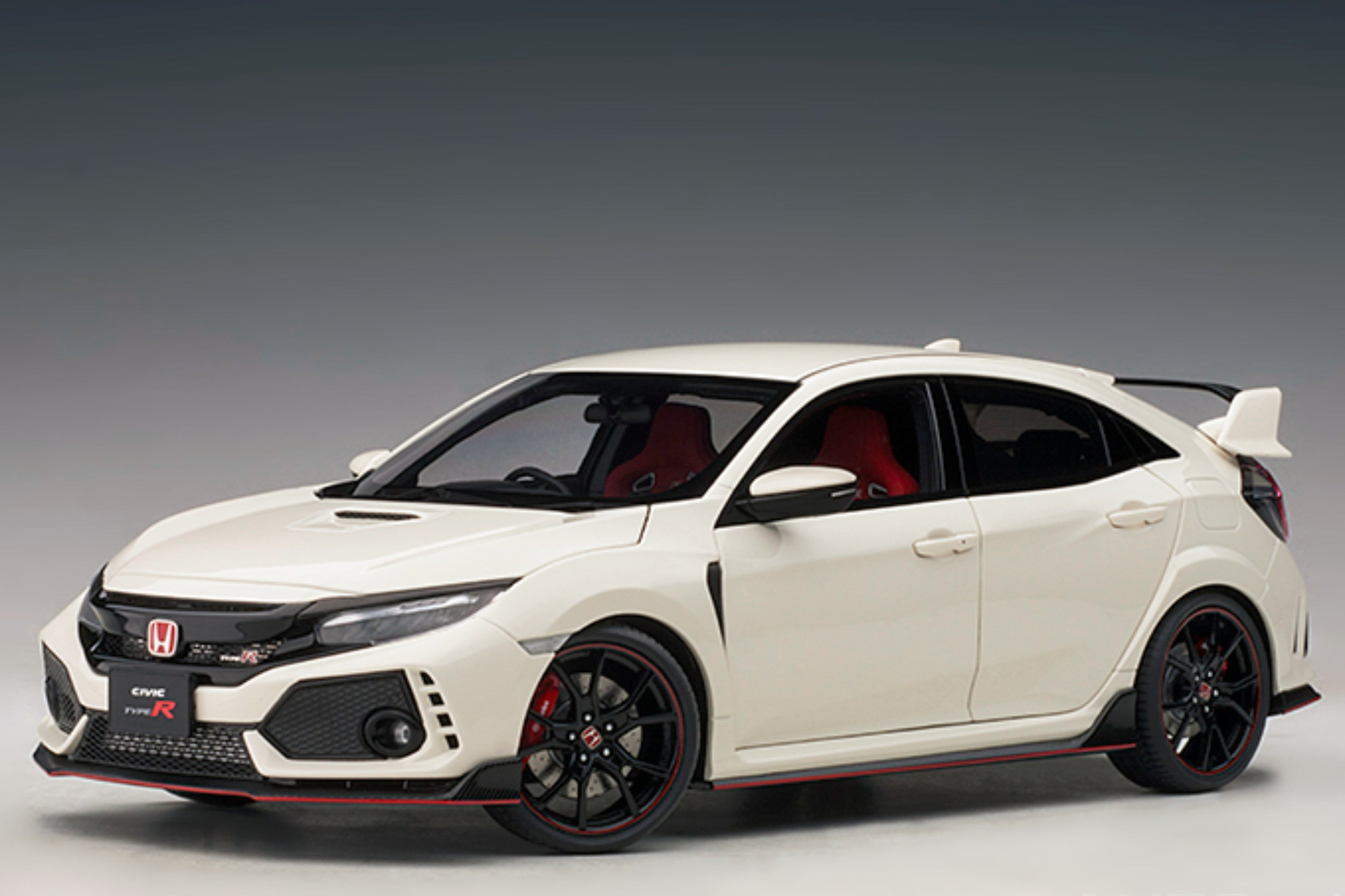 Honda Civic Type R (FK8) | 1:18 Scale Model Car by AUTOart | Front Quarter