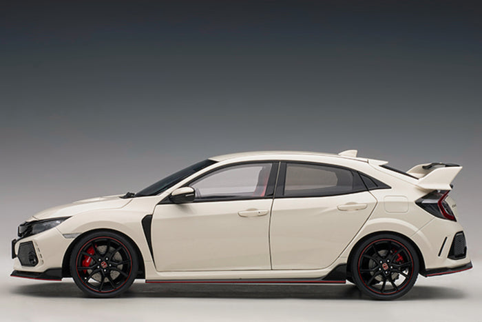 Honda Civic Type R (FK8) | 1:18 Scale Model Car by AUTOart | Profile