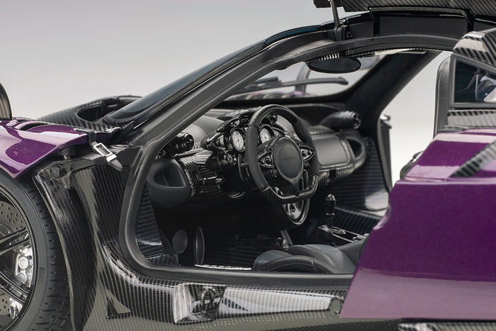 Pagani Huayra BC | 1:18 Scale Model Car by AUTOart | Left Interior