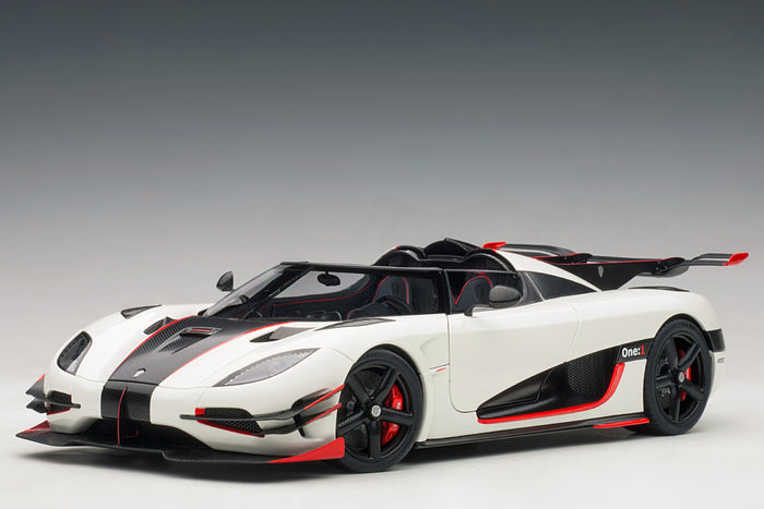 Koenigsegg One:1 | 1:18 Scale Model Car by AUTOart | Front Quarter