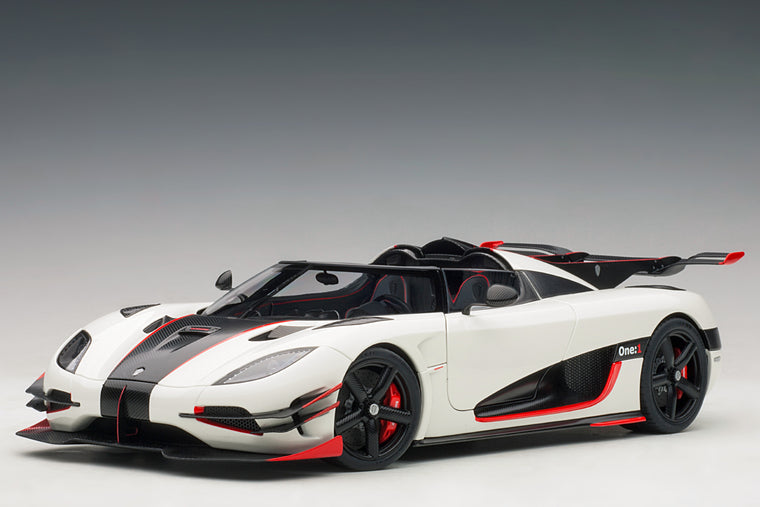 Koenigsegg One:1 - 1:18 Scale Model Car