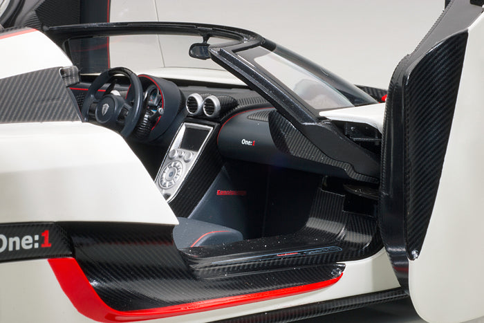 Koenigsegg One:1 | 1:18 Scale Model Car by AUTOart | Right Interior