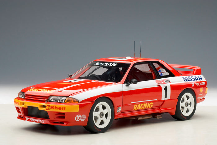 Nissan Skyline GT-R (1992 Toohey's 1000) | 1:18 Scale Diecast Model Car by AUTOart | Front Quarter