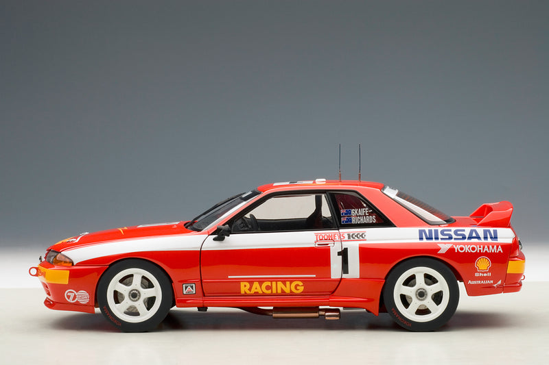 Nissan Skyline GT-R (1992 Toohey's 1000) | 1:18 Scale Diecast Model Car by AUTOart | Profile
