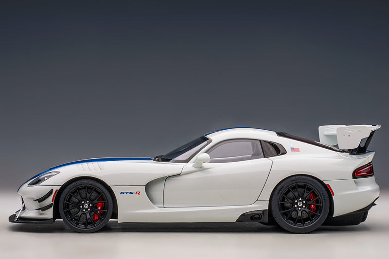 Dodge Viper GTS-R Commemorative Edition ACR (2017) | 1:18 Scale Model Car by AUTOart | Profile View