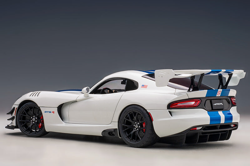 Dodge Viper GTS-R Commemorative Edition ACR (2017) | 1:18 Scale Model Car by AUTOart | Rear Quarter