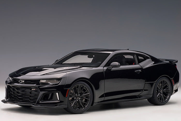 Chevrolet Camaro ZL1 (2017) | 1:18 Scale Model Car by AUTOart | Black Variant