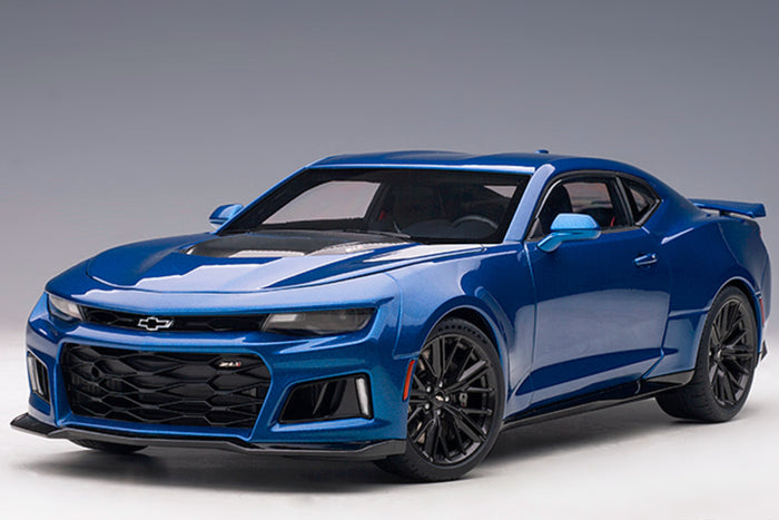 Chevrolet Camaro ZL1 (2017) | 1:18 Scale Model Car by AUTOart | Blue Variant