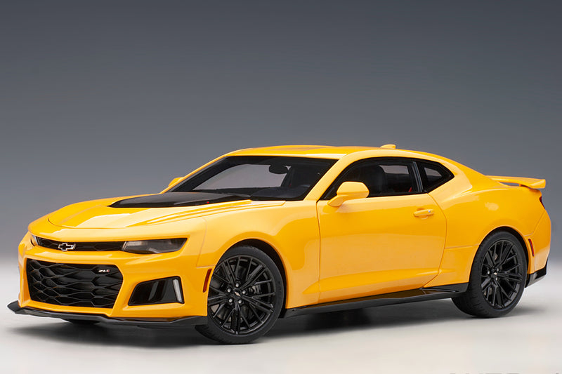 Chevrolet Camaro ZL1 (2017) | 1:18 Scale Model Car by AUTOart | Front Quarter