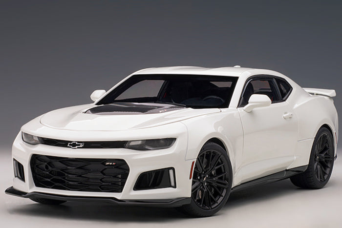 Chevrolet Camaro ZL1 (2017) | 1:18 Scale Model Car by AUTOart | White Variant