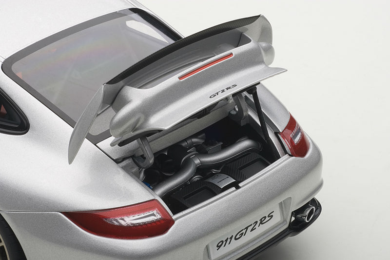 Porsche 911 GT2RS (997) | 1:18 Scale Model Car by AUTOart | Engine