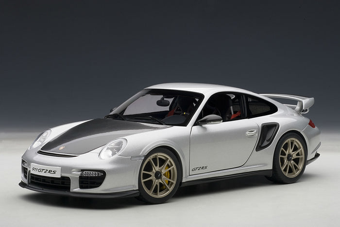 Porsche 911 GT2RS (997) | 1:18 Scale Model Car by AUTOart | Front Quarter