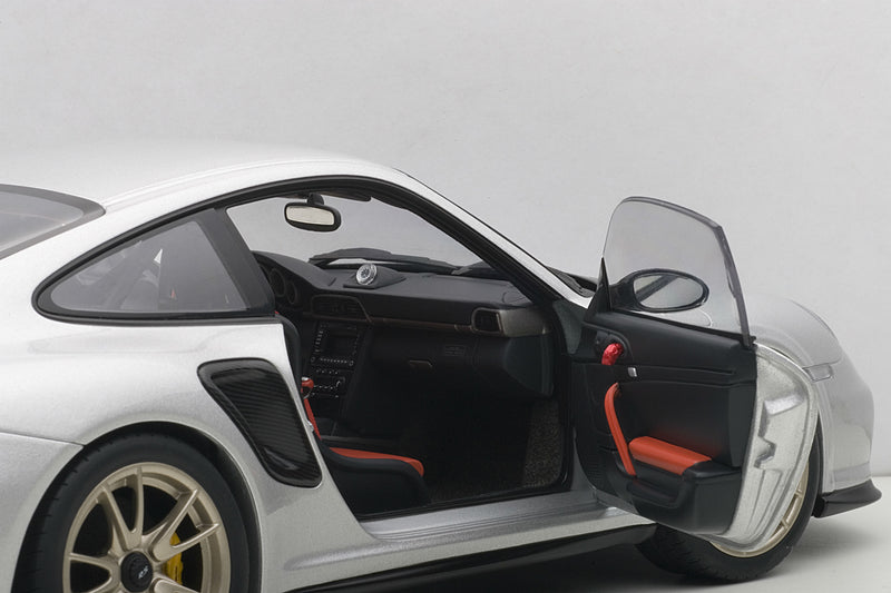 Porsche 911 GT2RS (997) | 1:18 Scale Model Car by AUTOart | Right Interior