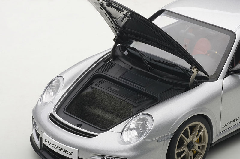 Porsche 911 GT2RS (997) | 1:18 Scale Model Car by AUTOart | Luggage Compartment