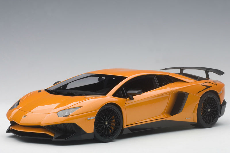 Lamborghini Aventador LP750-4 SV | 1:18 Scale Model Car by AUTOart | Front Quarter