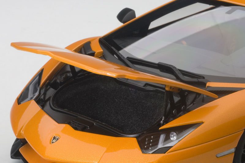 Lamborghini Aventador LP750-4 SV | 1:18 Scale Model Car by AUTOart | Front Detail