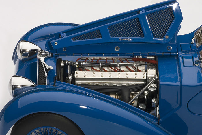 Bugatti T57SC Atlantic | 1:18 Scale Diecast Model Car by AUTOart | Engine Detail