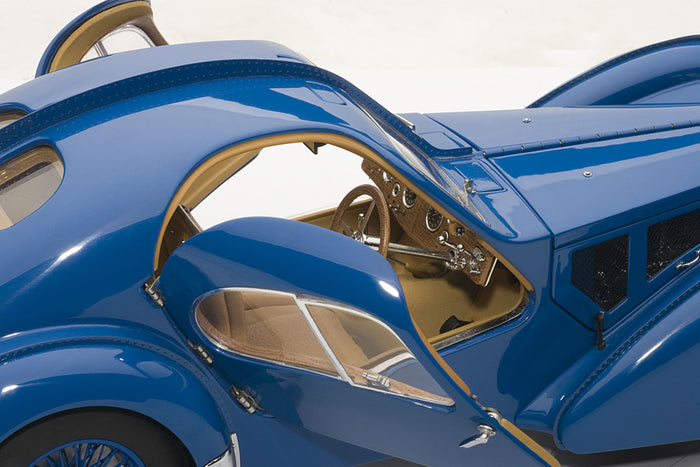 Bugatti T57SC Atlantic | 1:18 Scale Diecast Model Car by AUTOart | Right Interior