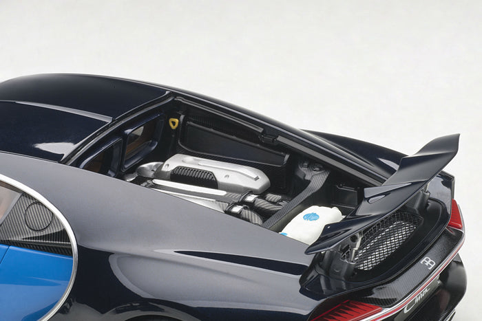 Bugatti Chiron | 1:18 Scale Model Car by AUTOart | Engine and Wing