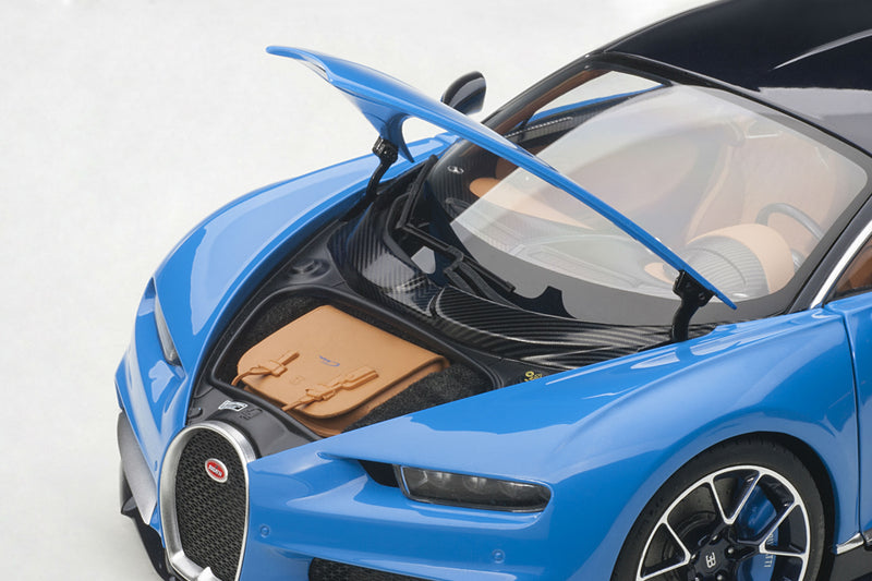 Bugatti Chiron | 1:18 Scale Model Car by AUTOart | Trunk