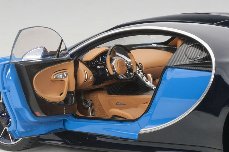 Bugatti Chiron | 1:18 Scale Model Car by AUTOart | Left Interior