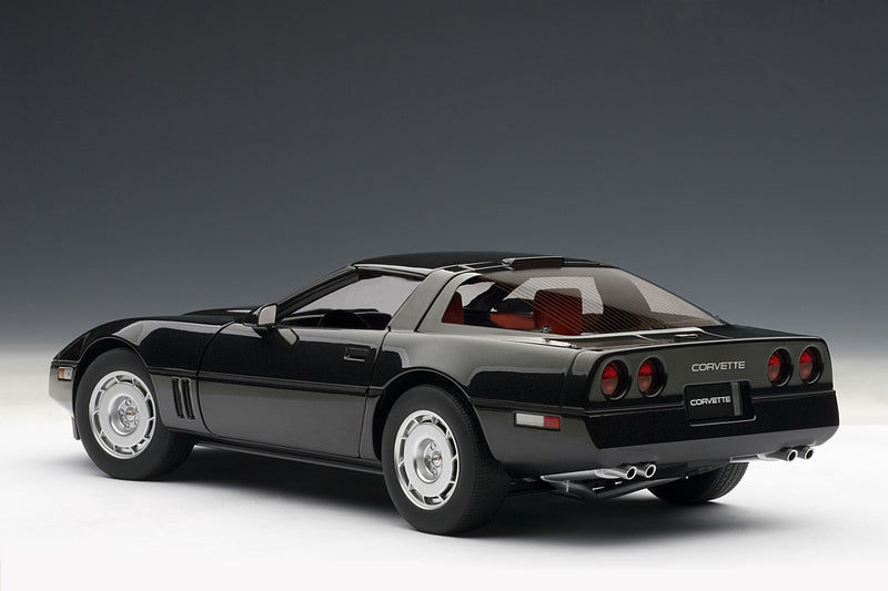 Chevrolet Corvette (1986) | 1:18 Scale Diecast Model Car by AUTOart | Rear Quarter