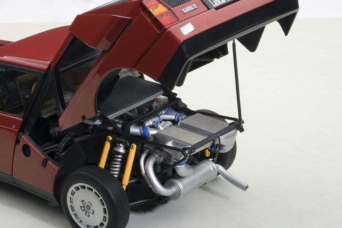 Lancia Delta S4 Stradale | 1:18 Scale Diecast Model Car by AUTOart | Engine Detail