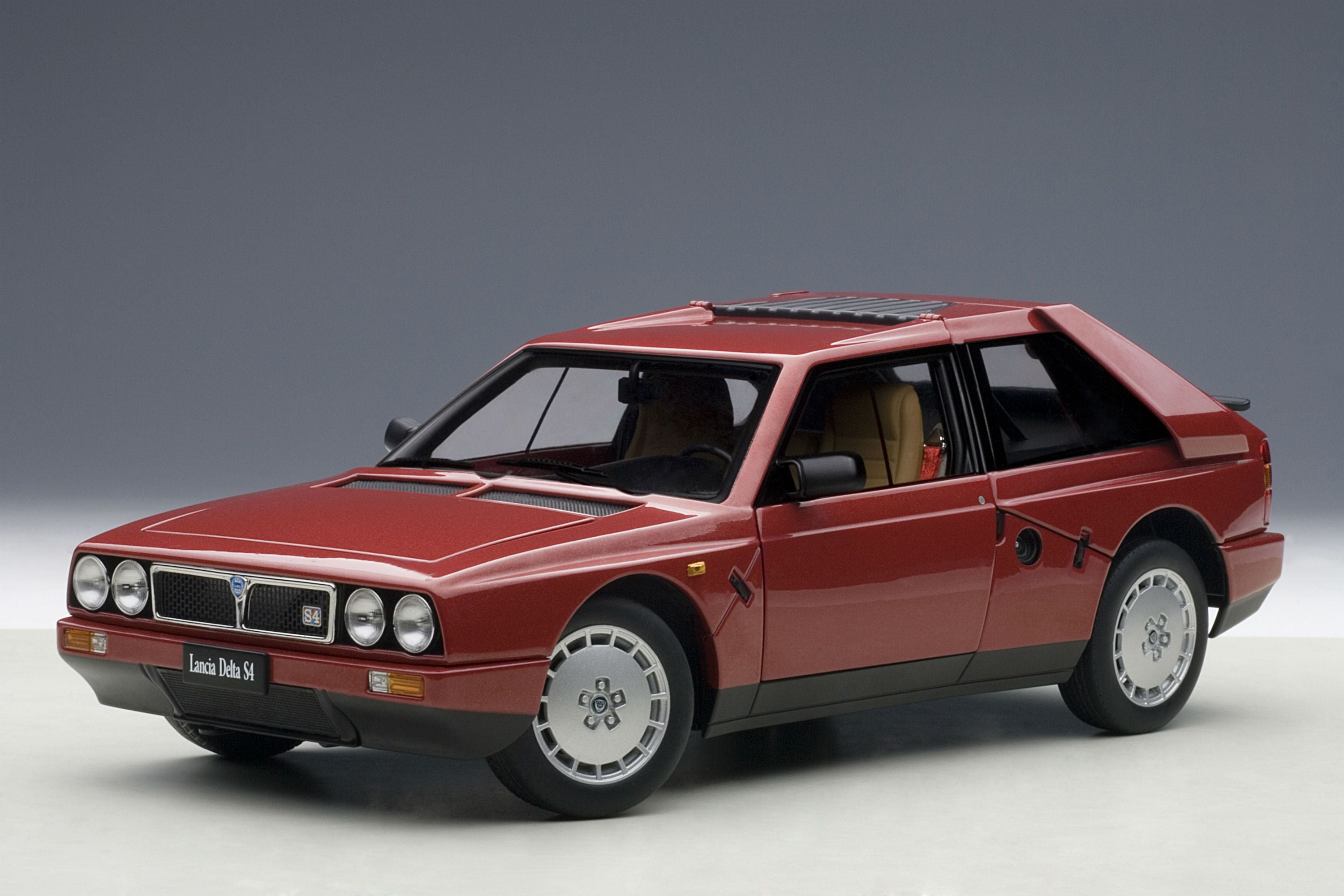 Lancia Delta S4 Stradale | 1:18 Scale Diecast Model Car by AUTOart | Front Quarter