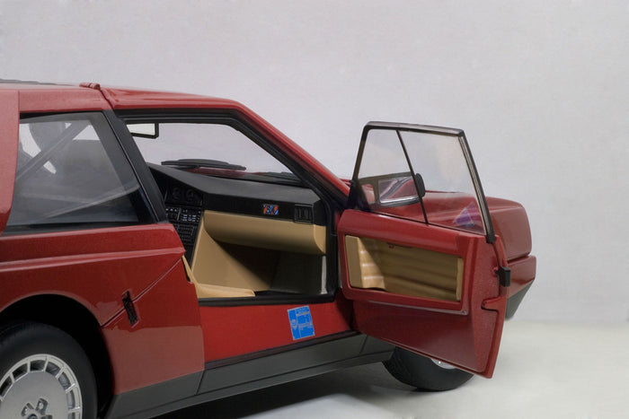 Lancia Delta S4 Stradale | 1:18 Scale Diecast Model Car by AUTOart | Right Interior