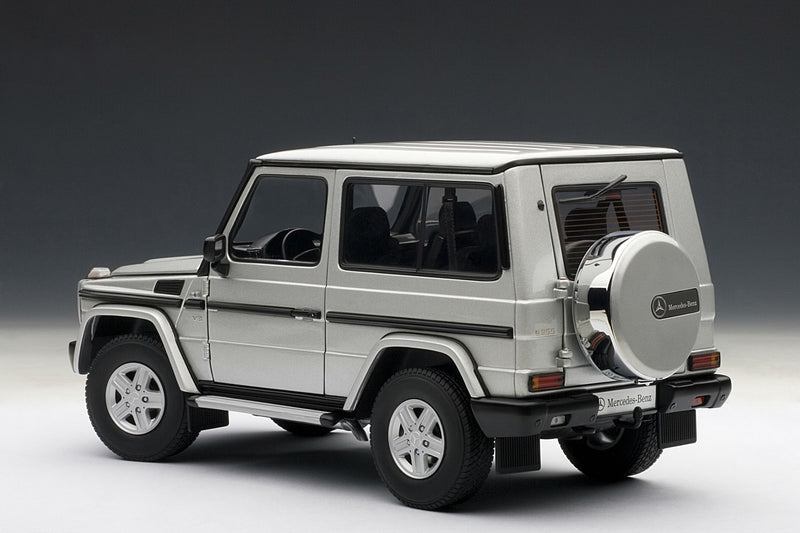 Mercedes-Benz G500 SWB (1998) | 1:18 Scale Diecast Model Car by AUTOart | Rear Quarter